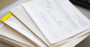Близкие родственники умершего вправе знакомиться со всей медицинской документацией