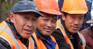 О смене должности работника-иностранца работодатель не обязан уведомлять миграционный орган