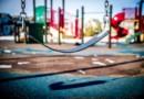 Управляющая компания обязана содержать детские площадки во дворе дома, даже если земельный участок под ним не сформирован